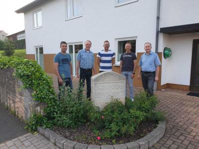 Auf dem Bild zu sehen sind: von links: Marcel Otto (stellvertretender Ortsvorsteher), Rolf Hühne, Andre Wenzel (Schriftführer), Ewald Schwalb (Ortsvorsteher) und Holger Jäger (stellvertretender Schriftführer).