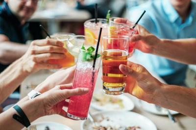 """Foto zur Meldung: Feiern in """"Corona-Zeiten"""" - Was ist derzeit erlaubt?"""