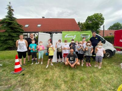 Die Kinder- und Jugendfeuerwehr OT Latdorf verschönert den Ort