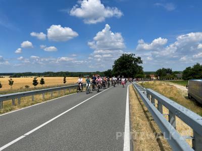 Das Wetter stimmte: Die Sommertour mit dem Bürgermeister 2021 lockte rund 200 Radler auf die Strecke. Foto: Katja Zeiger/Stadt Pritzwalk