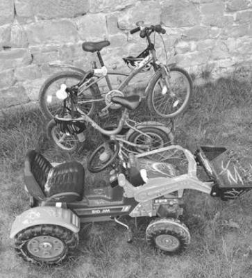 Kindergottesdienst mit Fahrzeugsegnung