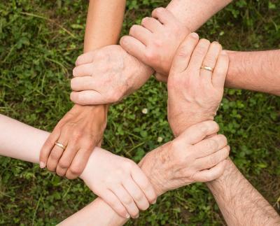 Foto zur Meldung: Offener Gesprächskreis für Angehörige von Menschen mit Demenz