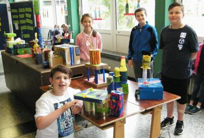 Upcycling im Hundertwasserstil Klasse 4
