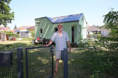 Günther Berthold aus Michendorf möchte Menschen über die starke Region-Plattform zusammenführen, damit sie gemeinsam ihren Traum vom Leben in einem Tiny House verwirklichen können. Foto: Bolko Bouché