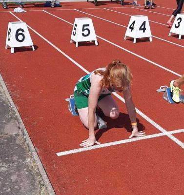 Anne Seibt am Start über 100m