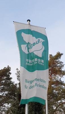 Bürgermeister für den Frieden:  Nuthetal zeigt Flagge gegen Atomwaffen