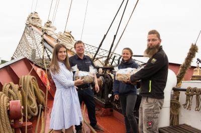 """Der Traditionssegler """"Roald Amundsen"""" auf Sommer-Gastspiel im Stadthafen Sassnitz"""