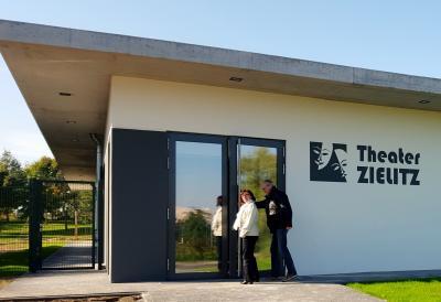 Foto zur Meldung: Die Premiere findet heute statt - im Theater Zielitz!