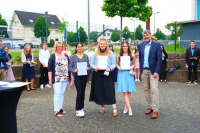 Foto zur Meldung: Abschlussfeier an der Puricelli Realschule plus Rheinböllen