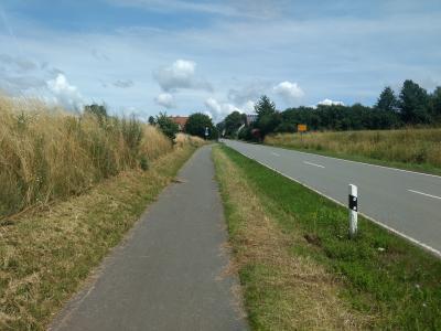 Radweg entlang der Landesstraße (L 3386) in Richtung Mariendorf