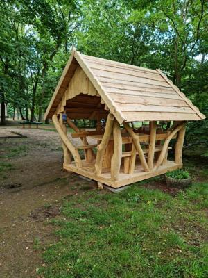Neue Errungenschaft aus Holz im Herzberger Tierpark