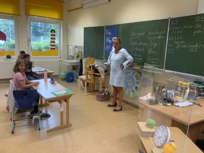 Foto zur Meldung: Klasse2000 jetzt mit Frau Botta