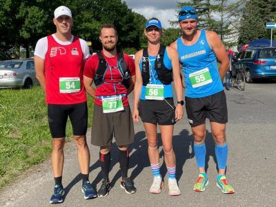Das Foto zeigt die Laager Halbmarathonläufer Ronny, Steffen, Katja und Jens. Foto: André Stache