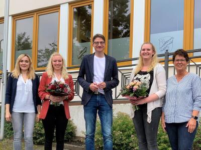 PRESSEMITTEILUNG:  Gemeinde Haunetal übernimmt erfolgreiche Absolventinnen