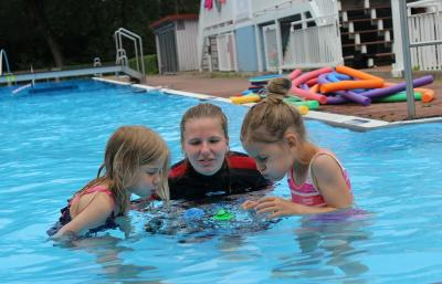 Foto zur Meldung: Spaß beim Ferienschwimmen