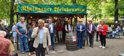 Kloster Lehniner Bürgermeister beteiligt sich bei Eröffnung des Berliner Weinbrunnens