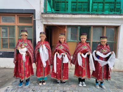 Vorschaubild der Meldung: Tsenshap Serkong Rinpoche's visit to the Serkong School