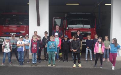 3. Klasse besucht die Freiwillige Feuerwehr Röslau