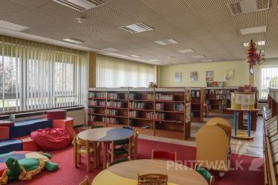 Für die Stadtbibliothek Pritzwalk gelten vorübergehend geänderte Öffnungszeiten. Foto: Lars Schladitz