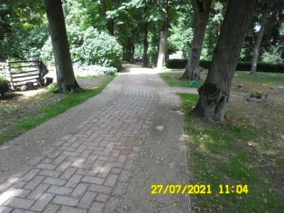 Ausbau des Hauptweges auf dem Kremmener Friedhof