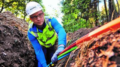 Foto: Marvin Orth, gebürtig aus Bengel, ist ebenfalls im Ausbauteam für das schnelle Internet von Westenergie Breitband. (Foto: Westenergie Breitband)