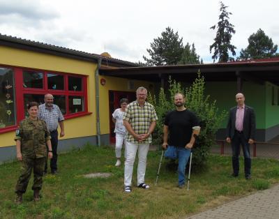 v. l. n. r. Stabfeldwebel Frau Köster-Stolb, Bügermeister Herr Michael Stawski, Frau I. von Lewinski-Sandmann, Herr Dr. med. H. Voigt, Herr Dr. A. Kugler, Herr R. Neumann