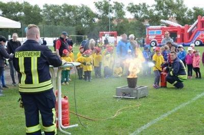 """Foto zur Meldung: Feuerwehr """"hautnah"""":  5. Kinder-Brandschutztag des Kreisfeuerwehrverbandes Oberspreewald-Lausitz e.V. am 18. August"""