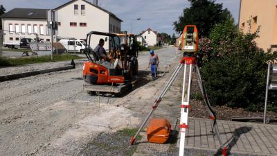 Foto zur Meldung: Sanierung der Naundorfer Straße im Zeitplan