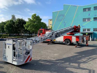 Foto zur Meldung: SJG: Evakuierungsübung - Bei der Feuerwehr Fürstenwalde wird der Kaffee kalt!