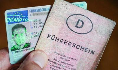Führerscheine, die vor Januar 2013 ausgestellt wurden, müssen umgetauscht werden. Quelle: RBB