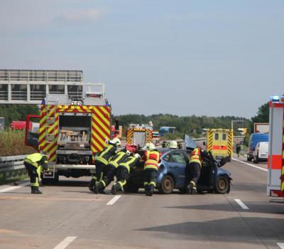 Unfall auf der A2 bei Netzen mit 5 Verletzten