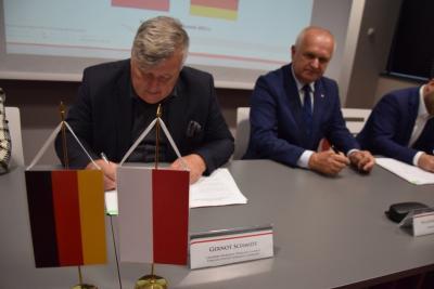 Foto zu Meldung: Kooperationsvereinbarung für grenzüberschreitenden Rettungsdienst mit Polen