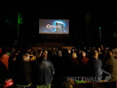 Die Pritzwalker Sommerfilmtage wurden vergangenes Wochenende eröffnet. Diesmal locken sie mit zwei sehr gegensätzlichen Streifen auf den Trappenberg. Foto: Sarah Schütte