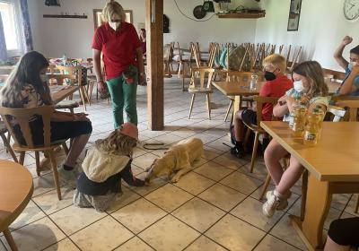 Vorschaubild der Meldung: Ferienspaß-Aktion: Spiel und Spaß mit Hunden