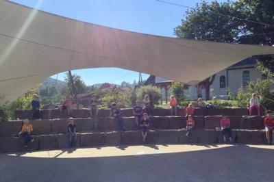 Foto vom Album: Klasse 3AA: Lernen in der Sonne