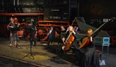 """Die musikalische Lesung """"Der vergessene Stern"""" im Historischen Lokschuppen I Foto: Martin Ferch"""