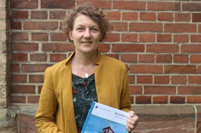 Zum Thema Demenz berät das Seniorenbüro/ Pflegestützpunkt Werra-Meißner persönlich, neutral, und unentgeltlich, Ansprechpartnerin ist Ulrike Mathias, Telefon (05651) 302-2433.