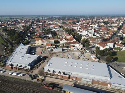 Die nördliche Bahnstraße mit dem entstehenden REWE-Fachmarktzentrum I Foto: Torsten Kaiser