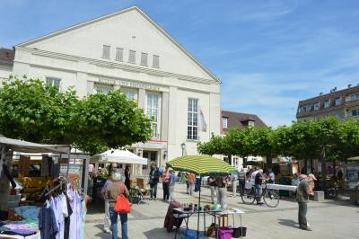 Der Motto-Wochenmarkt lockt am 24. September vor das Kultur- und Festspielhaus I Foto: Martin Ferch