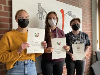Unsere erfolgreichen Teilnehmerinnen (v. l. n. r.): Emilie Bujak, Pia Mengelkamp und Charlotte Ellermann