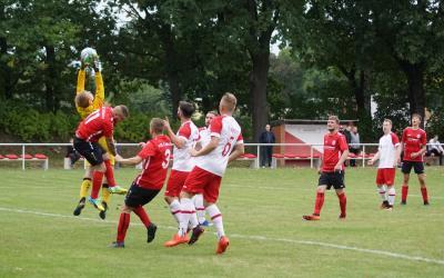 Foto vom Album: VfB Reserve läßt Punkte in Werben
