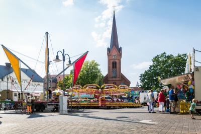 Ab Freitag und auch am kommenden Wochenende sind kleine und große Besucher*innen zum Wittenberger Jahrmarkt geladen I Foto: Gerhard Baack