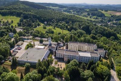 Die Ferienfahrten im Herbst 2021 führen auch wieder ins KIEZ Sebnitz, mitten in der malerischen Sächsischen Schweiz. Foto: Peter Wilhelm