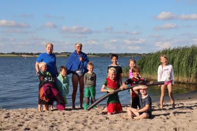 Borgwedeler Kinder mit Ines Greve-Beyer und Margrit Girard-Krimilowski