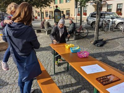 Foto zur Meldung: Boccia, Ping-Pong und Tic Tac Toe auf dem Marktplatz