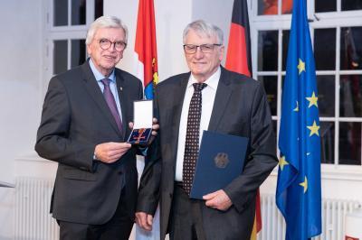 Volker Klöpfel erhält Bundesverdienstkreuz
