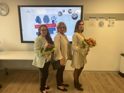 Lea Sophie Spöth, KHDS-Pflegedirektorin Sabine Schmalebach und Janin Jensch