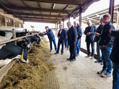 Bild der Meldung: Minister Axel Vogel diskutierte mit Landwirten