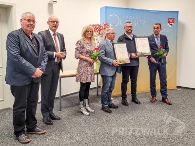 """Bild der Meldung: Beveringen gewann Wettbewerb """"Unser Dorf hat Zukunft"""""""