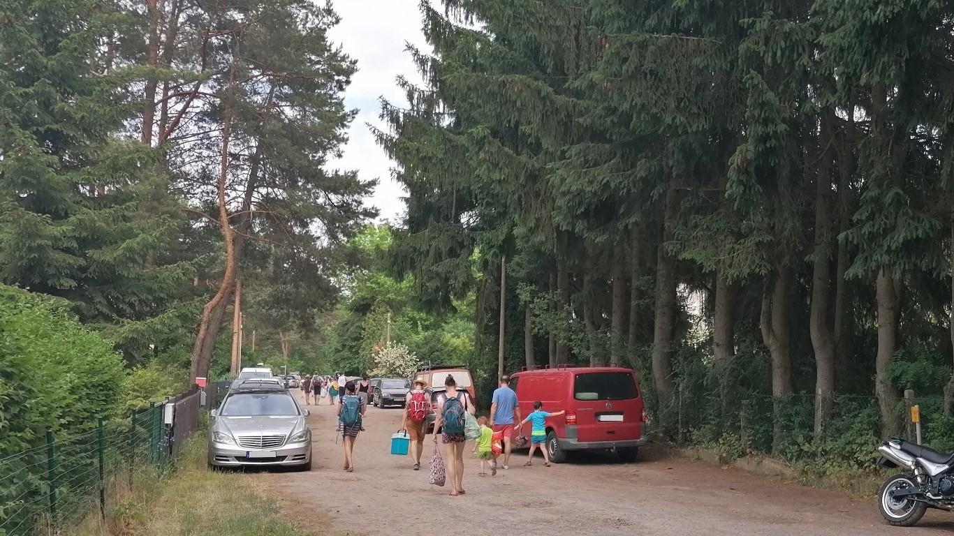 Am Abend ziehen die Badtouristen wieder nach Hause. Foto: Dörthe Ziemer